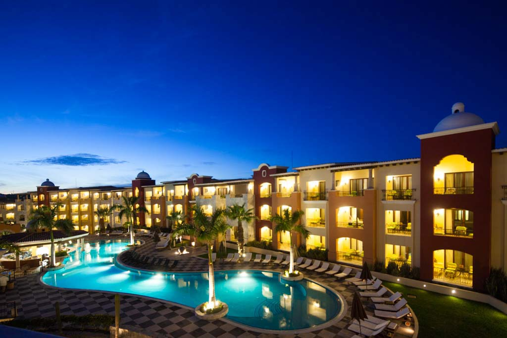 Hacienda Encantada Resort & Spa   Night